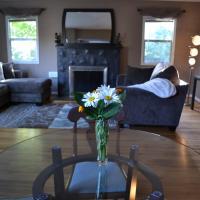 Cozy Home in Trendy Northeast Portland
