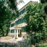Mater Salvatoris House