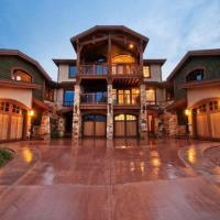 Canyon Resort Luxury Townhomes by Utopian