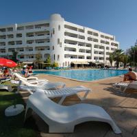 Apartamentos Turisticos Silchoro(塞尔克罗旅行公寓酒店)
