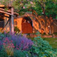 Old Taos Guesthouse B&B