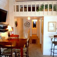 Three-Bedroom Premier Townhouse Unit #31 by Snow Summit Townhouses