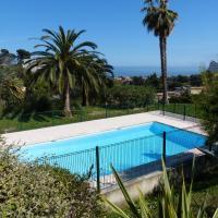 Appartement 2 pièces jardinet piscine parking vue mer
