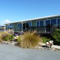 Nugget View Kaka Point Motels