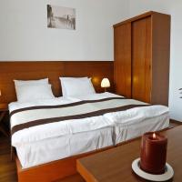 Hotel Club-2100
