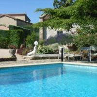 Villa in Saint Saturnin Les Avignon
