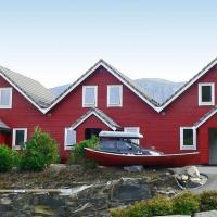 Four-Bedroom Holiday home in Sørbøvåg 2