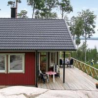 Four-Bedroom Holiday home in Karlskoga