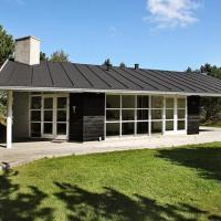 Two-Bedroom Holiday home in Ålbæk 3