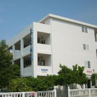Lyon Apartments