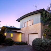Heather's House by Great Ocean Stays