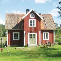 Two-Bedroom Holiday home Holmsjö with a Fireplace 09