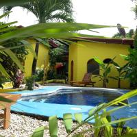 Casa Amarilla Sámara