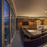 Penthouse Skyline
