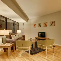 Arapahoe Street Apartment by Stay Alfred