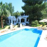 Four-Bedroom Holiday home in Sant Joan de Labritja