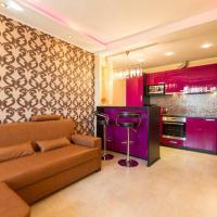 Anni 8 Apartment