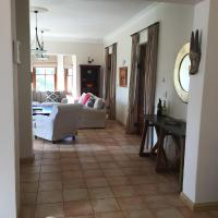 Spacious home amongst the winelands
