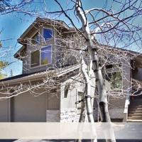 Tan Oak 33 House