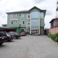 Menic Suites & Restaurant