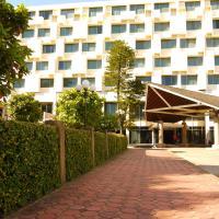 Charoen Hotel