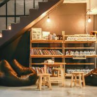 Norn Nung Len Cafe'&Hostel