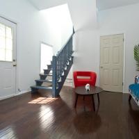 Apartment on W Belmont Avenue 1R