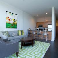 Apartment on W Fullerton Avenue 305