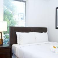 Four-Bedroom Apartment on North Racine Avenue 1