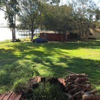 Lakeshore Cottage