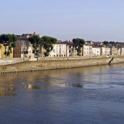 Arles 346 hotéis