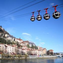 Grenoble 165 hotéis