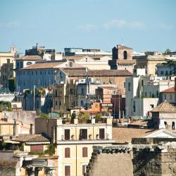 Castel di Leva 12 מלונות
