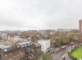 1 Bedroom Camden Town Penthouse Apartment, Londres
