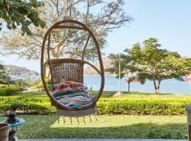 Monkey Bay Beach Lodge