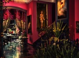 Dorsia Hotel & Restaurant
