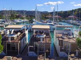 Floating Sea Houses MARINA LUX