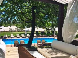 Relais & Chateaux Wine Hotel and Restaurant Meneghetti, Bale