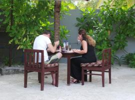 Holiday Village Retreat, Bodufolhudhoo