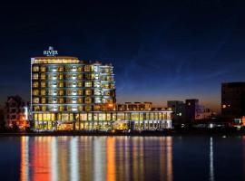 River Hotel, Ha Tien