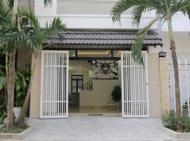 Nearby My Khe Beach 5BR Modern Villa