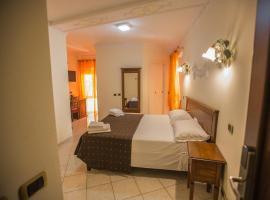 Hotel De Monti
