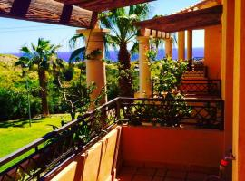 Villa Riviera, ميخاس كوستا