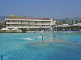 Hotel La Perla - Bike Hotel