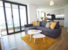 London Excel - O2 Arena - London City Airport Modern 2 Bed Apartment
