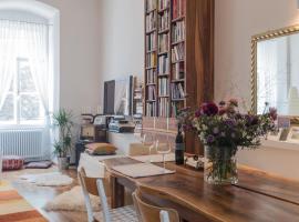 Spacious old town luxury apartment