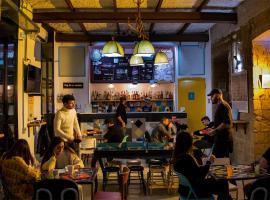 NeapolitanTrips Hostel & Bar