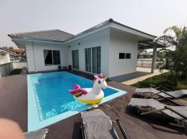 Homerent @ Kad Farang Rooms with pool