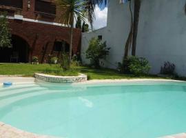 Casa con jardín y piscina en fisherton
