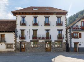 Mejores hoteles y hospedajes cerca de Izalzu, España